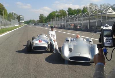 Scoop a Monza: Hamilton e Moss in autodromo con le W196 del 1955