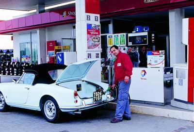 Benzina verde e auto d'epoca: aromatici, sali ed altri additivi