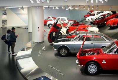 """""""Cuore Sportivo"""" per gli appassionati: i cofani aperti delle Alfa Romeo"""