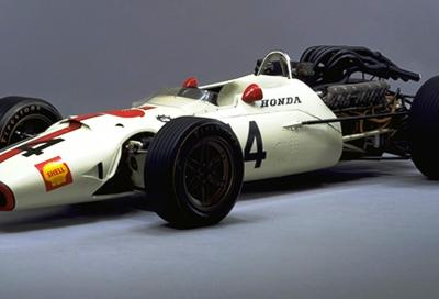 La Honda RA300 in pista a Monza prima del GP d'Italia!