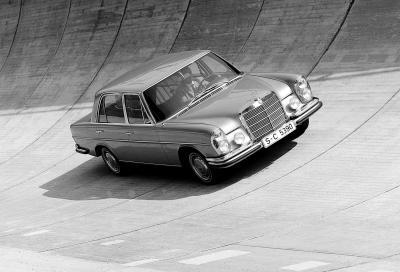 Mercedes 300 SEL 6.3: la prima berlina con prestazioni da supercar
