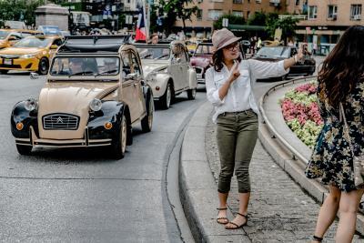 """Da New York a Gonzaga, in tutto il mondo si festeggia """"l'art de vivre"""" secondo 2CV"""