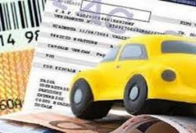 La Lega propone di azzerare il bollo auto ventennali