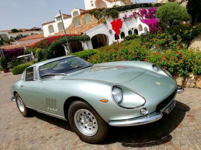 Ferrari e Costa Smeralda: binomio doc a Poltu Quatu