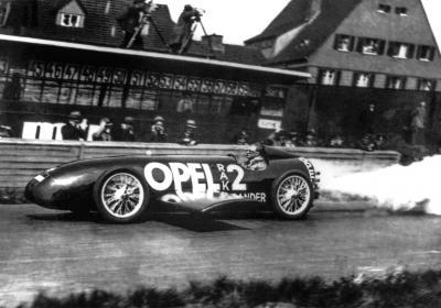 Tra automobilismo e aviazione: i veicoli a razzo della Opel, un onirico viaggio nel futuro