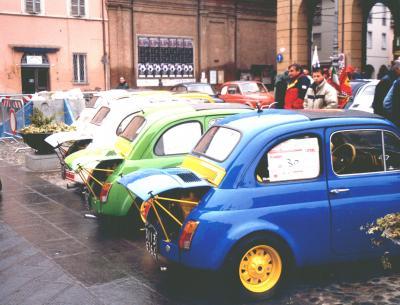Nozze d'argento per il raduno delle mitiche Fiat 500