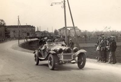 Crolla il ponte a Canneto sull'Oglio e la Mille Miglia del 1930 cambia percorso