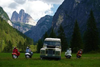 """Drive-In """"stellato"""" per un nuovo evento di auto d'epoca sulle Dolomiti"""