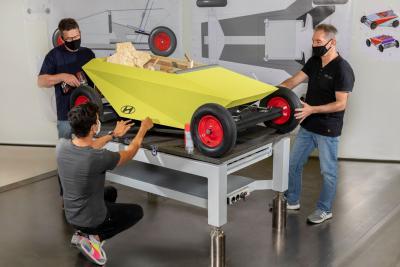 """Da Hyundai il progetto di una """"soapbox"""" che tutti possono farsi in casa"""