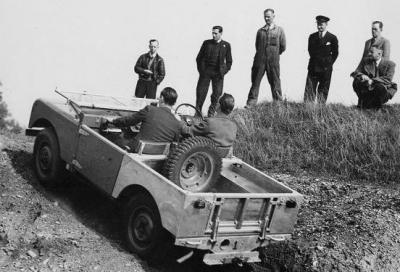 Il progettista della Land Rover Defender compie 100 anni