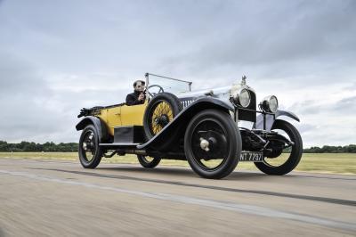 Vauxhall espone la sua intera collezione al British Motor Museum