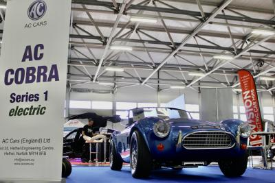 AC presenta la Cobra Series 1 electric
