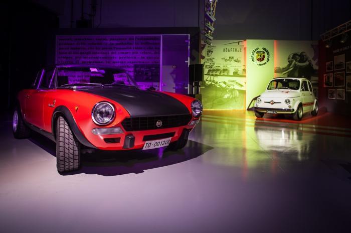 Una Fiat Abarth 124 Rally e una Fiat Abarth 595 Esseesse