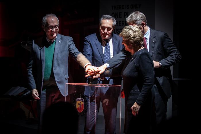 Da sinistra Roberto Giolito, (Head Heritage FCA), Alfredo Altavilla (Chief Operating Officer, EMEA Region, Fiat Chrysler Automobiles), Paolo Gagliardo, (Head of Operations Abarth) e Anneliese Abarth