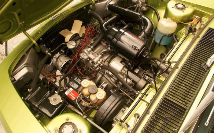 NSUI Ro 80, vano motore