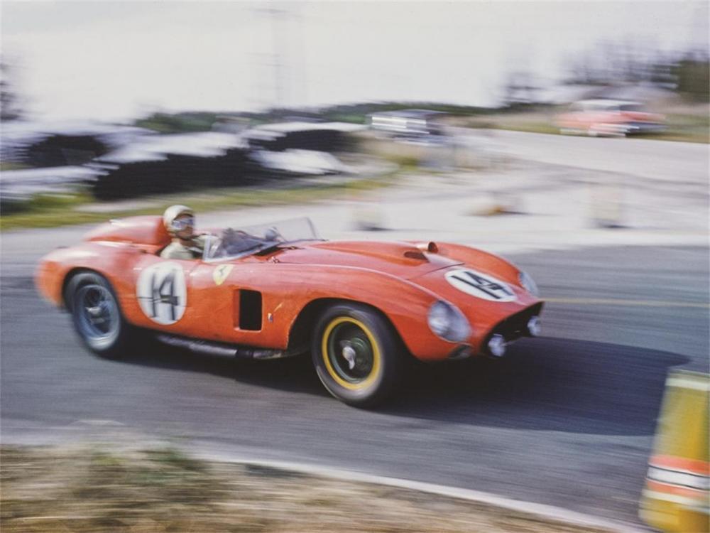 Ferrari 290 MMScaglietti1956 alla 12 Ore diSebring1957 - Foto courtesyof The Revs Institutefor AutomotiveResearch e RMSotheby's
