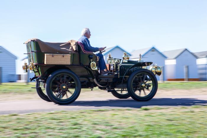 Darracq24 HP del 1903 venduta da Bonhams per oltre 660.000 euro compresi diritti d'asta.