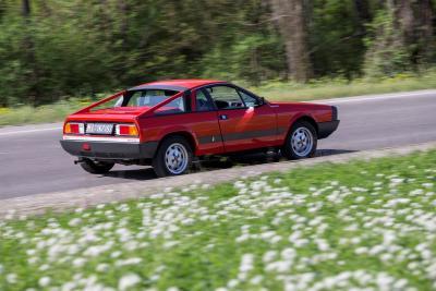 """Velluto rosso, cuore e spigoli: Beta Montecarlo, la brillante Lancia """"made in Pininfarina"""""""