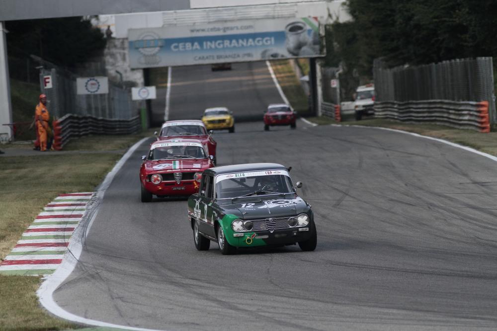 L Alfa Revival Cup accende i motori 644cfd937a4